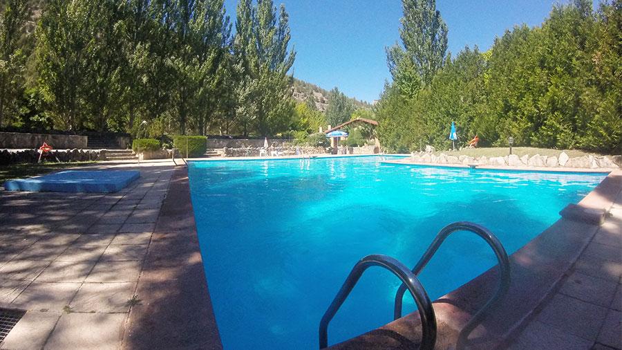 piscina-camping-soria-rio-lobos