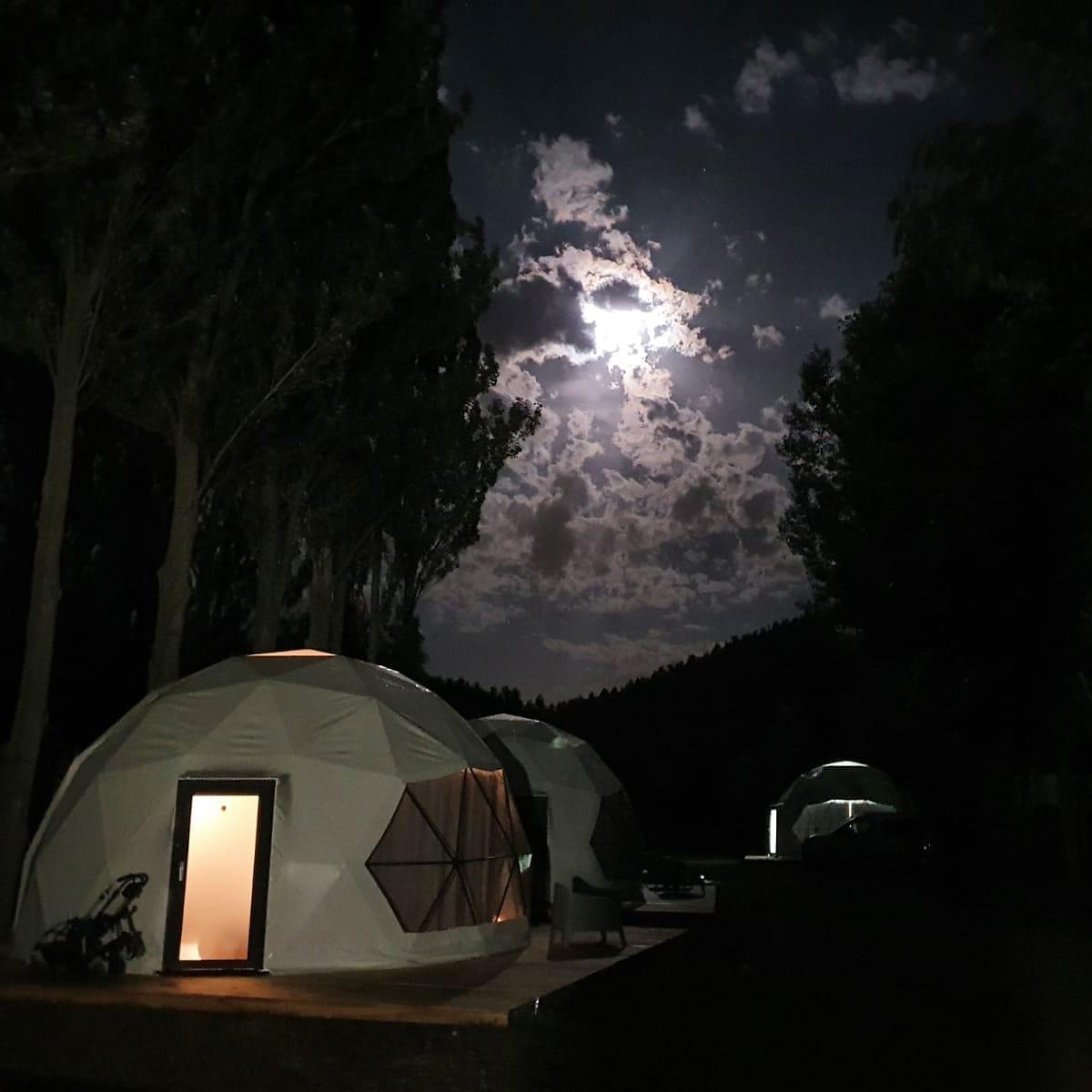 Glamping Cañón del Río Lobos luna